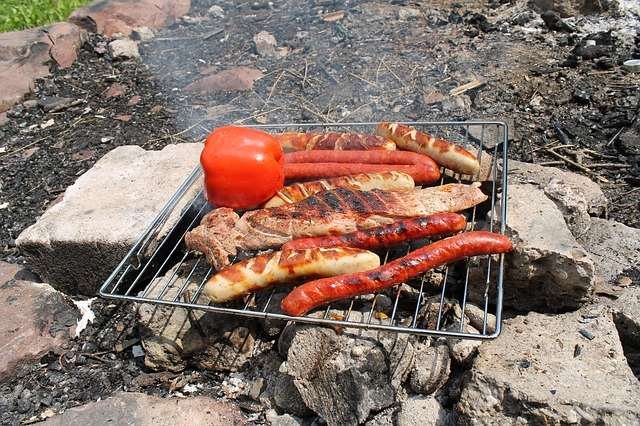 Camping Food Tip: Bring an oven rack or grill rack with you. You can use it to cook on over the or over a dirty campsite grill. - Find a tasty Meal Plan, Recipes, & more Tips for a Weekend Campout   Everything you need to cook great food on your next campout