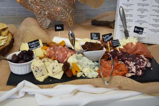 Easy Entertaining – Create an Amazing Cheese Platter for Less with ALDI - tips to a GREAT holiday platter