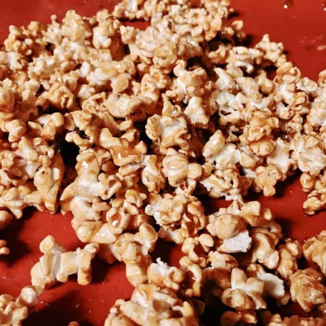A simple vegan caramel popcorn with 4 ingredients including Barleans Butter flavored coconut oil. Delicious , just delicious!!!