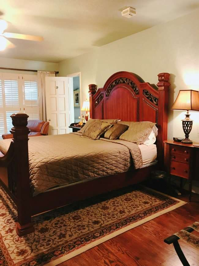 Lindley House Garden Cottages Bed & Breakfast - When you are looking for a place to stay in Duncan, OK this B&B is a great getaway and escape. Perfect for both families and couples.