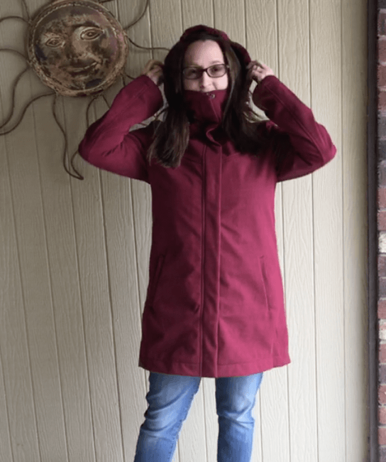3 Reasons Why this Raincoat is Perfect for Traveling